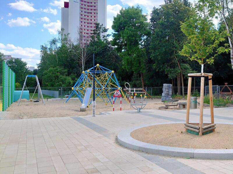 Bildungscampus Marienfelde: Spielplatz, Schulhof